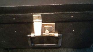 maleta rigida antigua