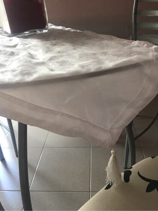 Camino mesa blanco