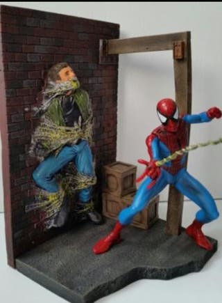 Figura diorama de Spiderman