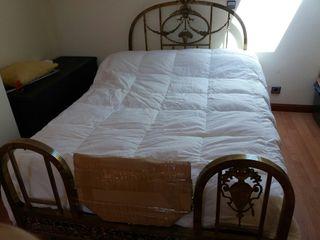Preciosa cama antigua