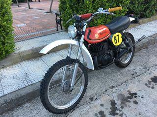 Moto del año 1975.