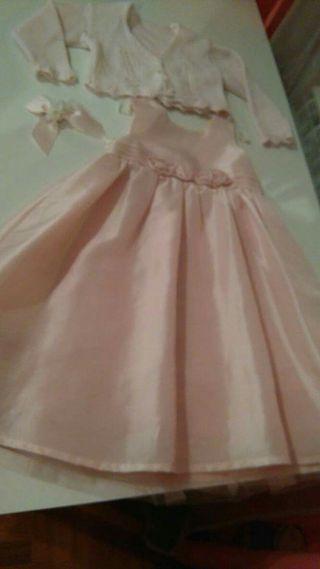 Vestido talla 4 a color rosa precioso
