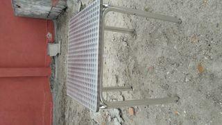 Vendo 5 mesas de terraza a 25€ la unidad
