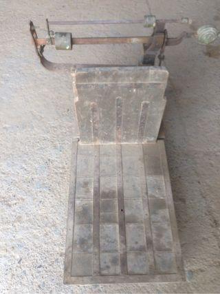 Bascula antigua