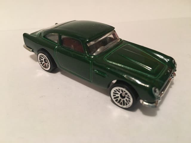 Coche Hot Wheels Aston Martin 1963 DB5