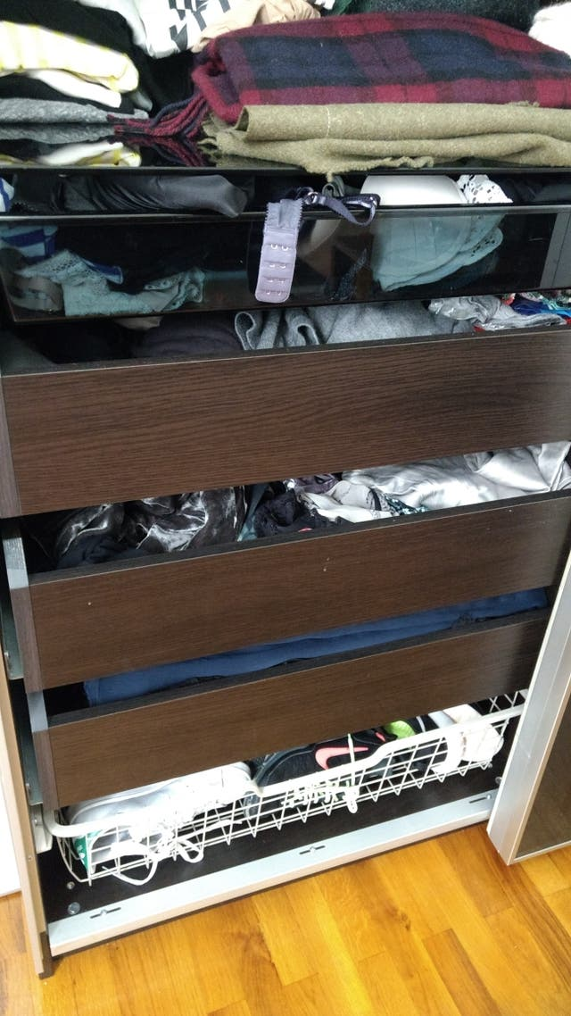 Armario de Ikea puertas cristal correderas