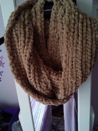 Bufanda cuello color mostaza