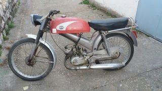 moto antigua Dervi Rabasa