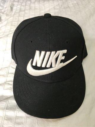 Gorra nike negra