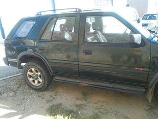 Opel Frontera 2.8 para piezas