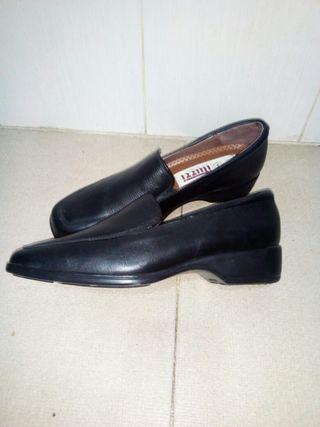 zapato cuero mujer