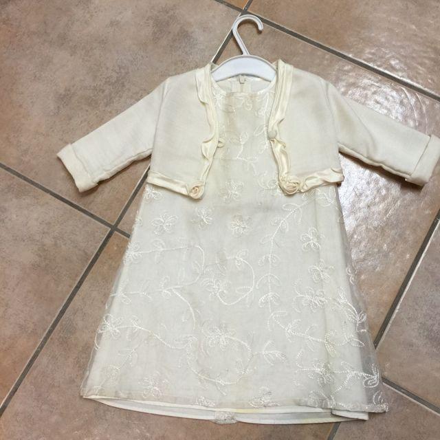 0129344bc Vestido ceremonia niña de seda de segunda mano por 15 € en Tarragona ...