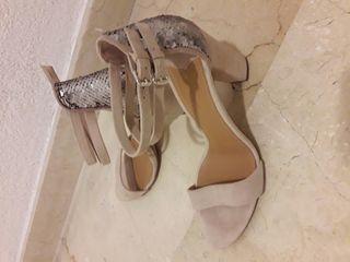 Sandalias de tacón nuevas de piel talla 39
