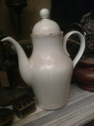 Tetera de porcelana