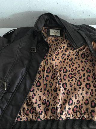 Cazadora de piel + Camiseta Custo