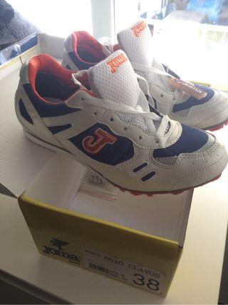 Zapatillas de atletismo nuevos N.38