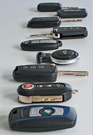 Coche moto llaves y mandos