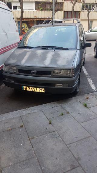 Renault ulises