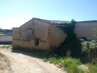 Finca y corral en AYERBE (Huesca)