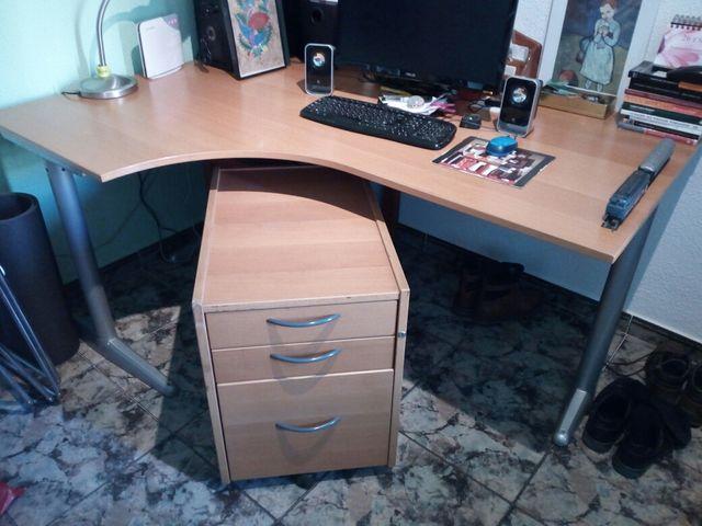 Mesa de despacho con su cajonera