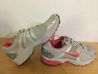 Baskets de running Nike T.38 COMME NEUVE