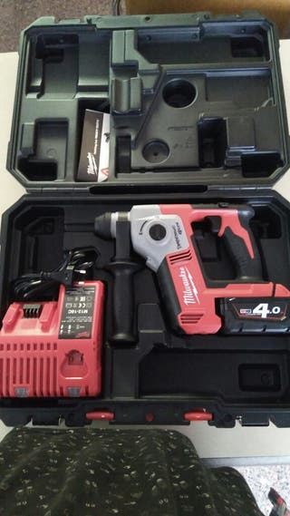 Martillo eléctrico Milwaukee M18
