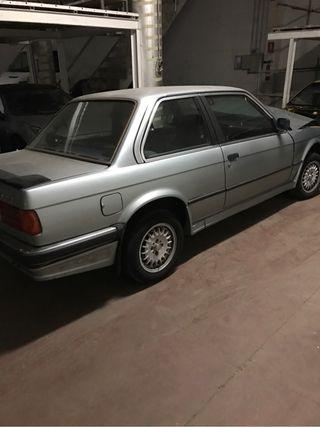 BMW e30 coupe solo despiez