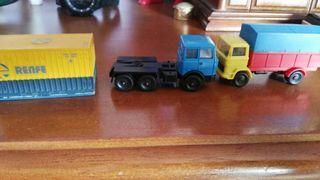 camiones y contenedor,ibertren