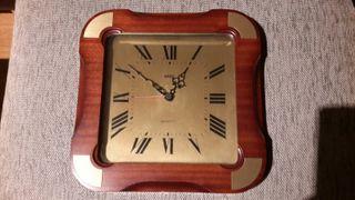 Reloj de pared antiguo Sars Quartz.