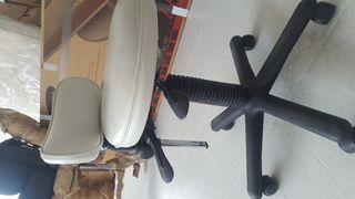 Camilla consultorio o estética + silla poco uso.