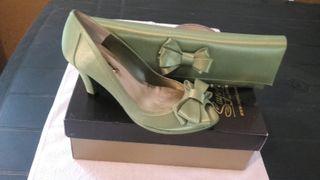 zapatos nuevos de fiesta