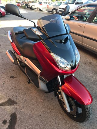 Yamaha xmax 250cc también Despiese preguntan