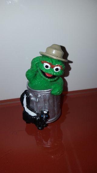 figura pvc goma Óscar gruñón basura muppets
