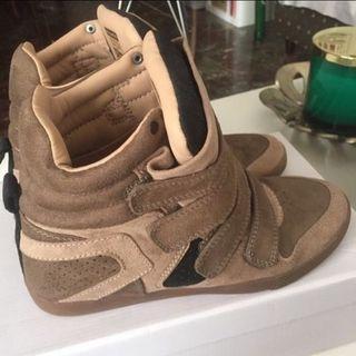 Sneakers de ante verde militar Pull & Bear