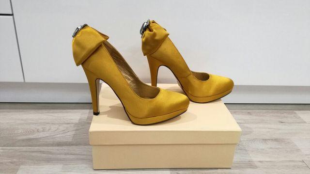 Zapatos Fiesta MENBUR T37 NUEVOS
