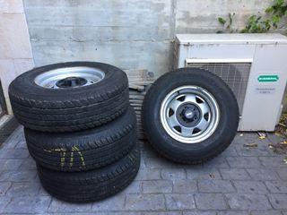 Llantas y neumaticos jeep