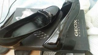 Chollo!Espectacular zapato charol GEOX