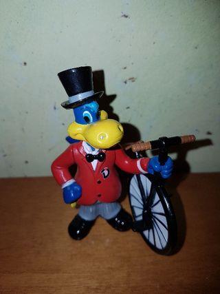 figura pvc goma Danonino con bici Danone