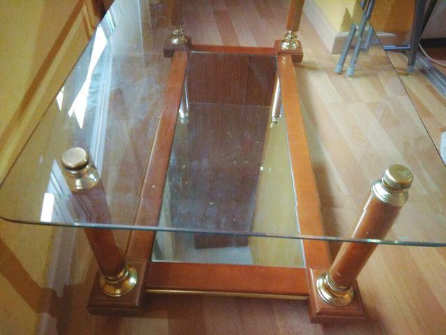 Mesa de salón de cristal