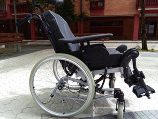 Silla de ruedas reclinable