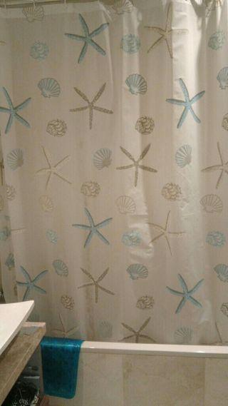 Cortina de baño nueva