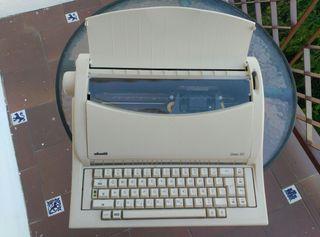 Máquina de escribir OLIVETTI LINEA 101