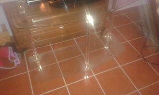 mesa de cristal y espejos de pasillo