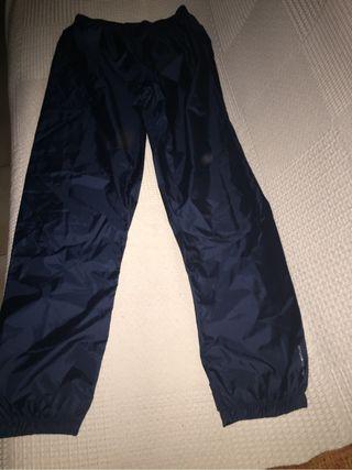 Pantalon chubasquero nuevo, PARA NIEVE , PATINAR..