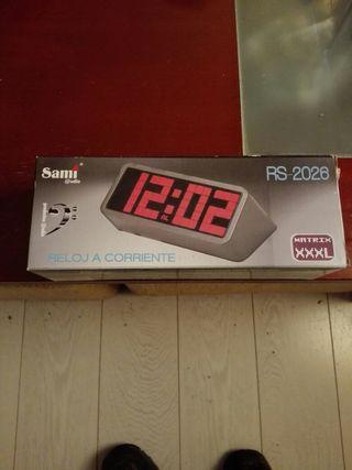 Despertador nuevo a estrenar en su misma caja valo