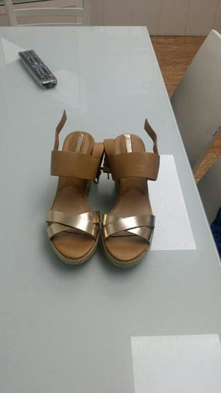 zapato de verano stradivarius