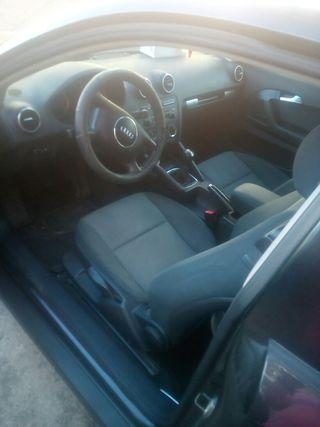 Audi A3 2005 en buen estado .