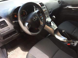 Toyota Auris 2010