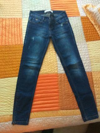 pantalon vaquero azul oscuro chica stradivarius