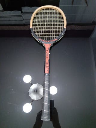 Raqueta de tenis vintage INTERNATIONAL